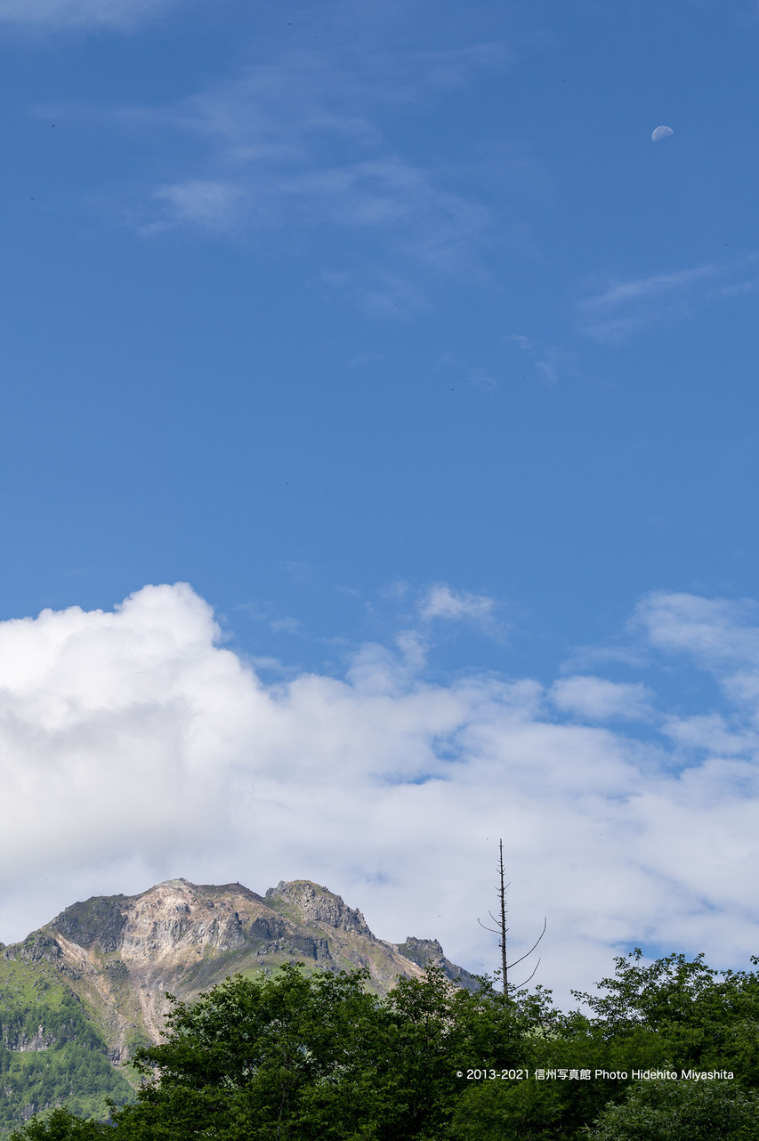 焼岳と月_20210731-DSC_7280