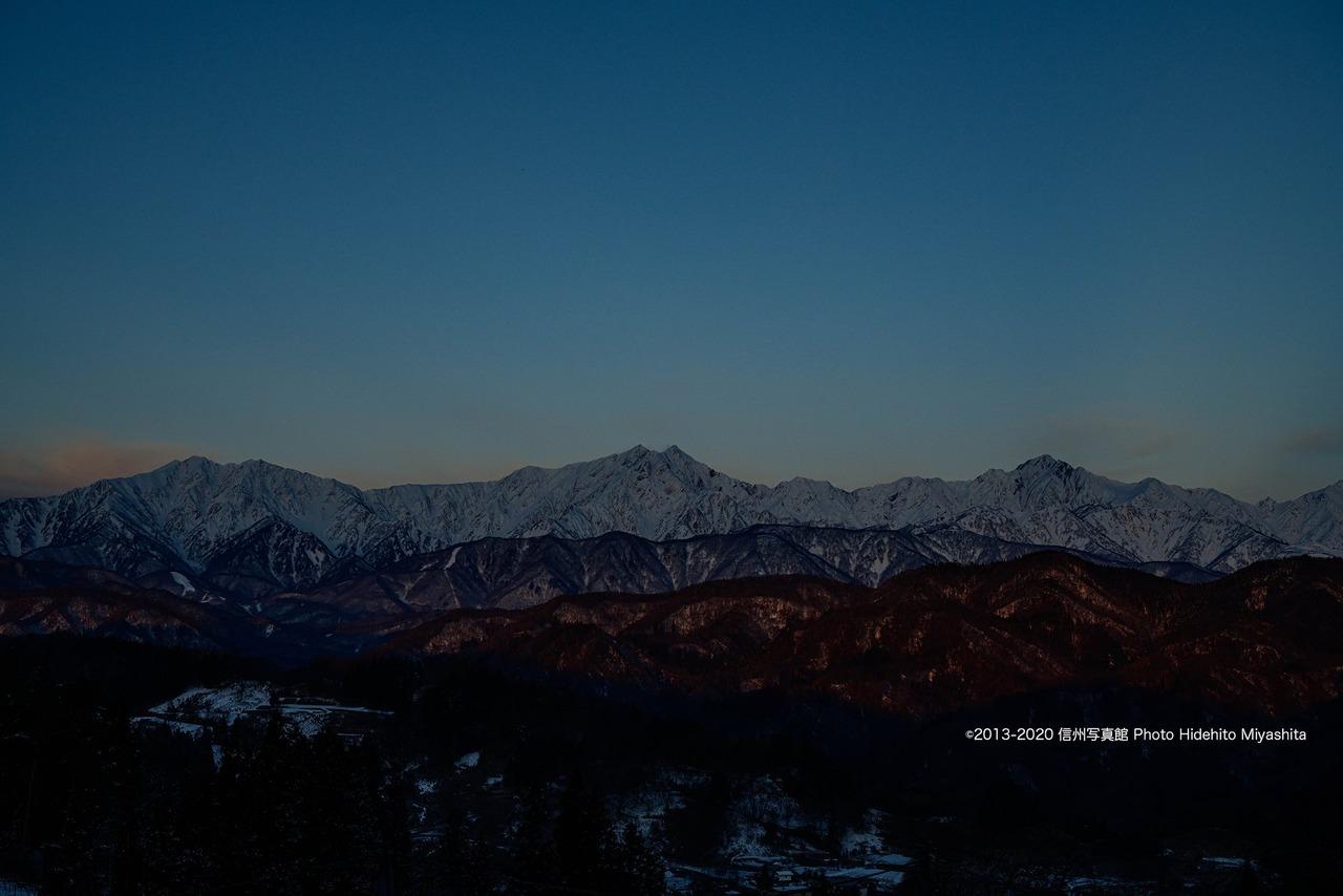 光の無い仁科三山