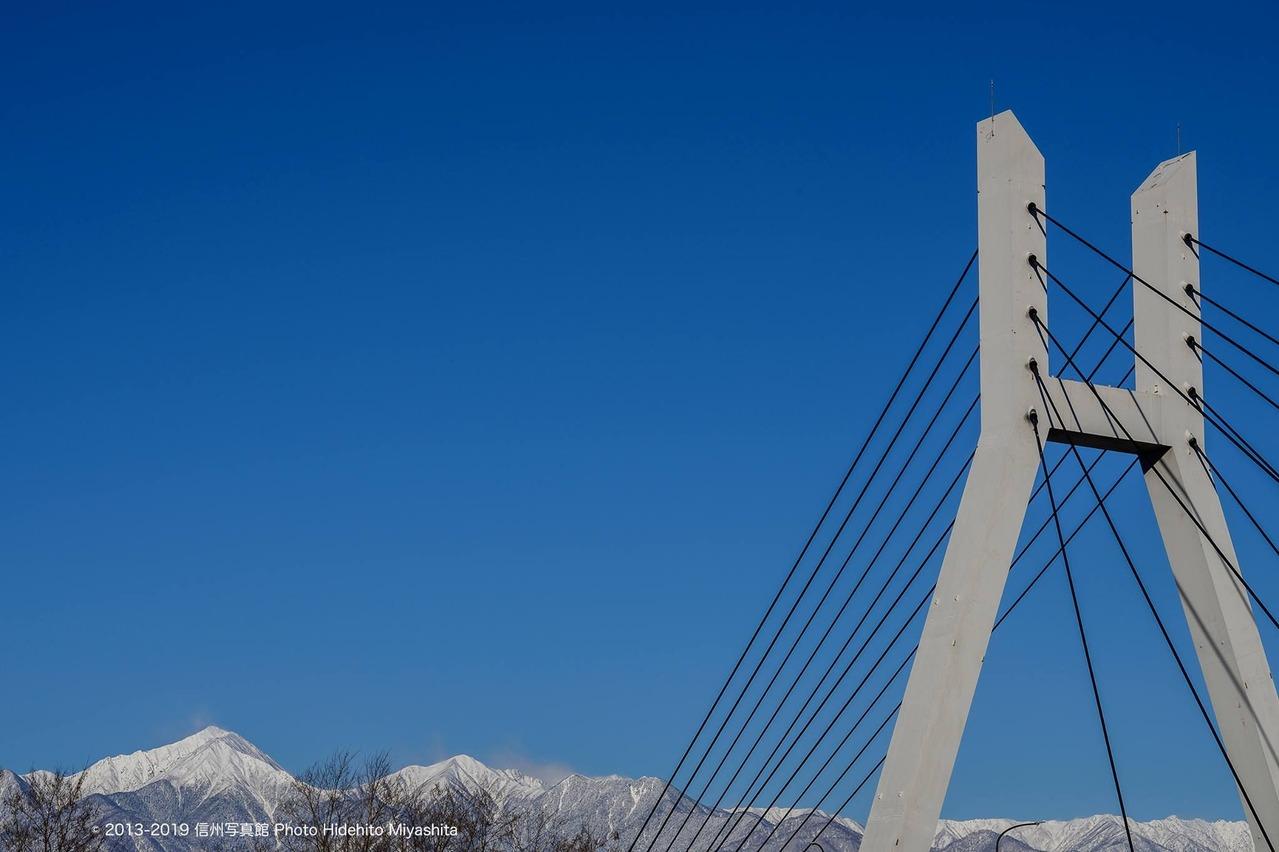 橋柱と常念