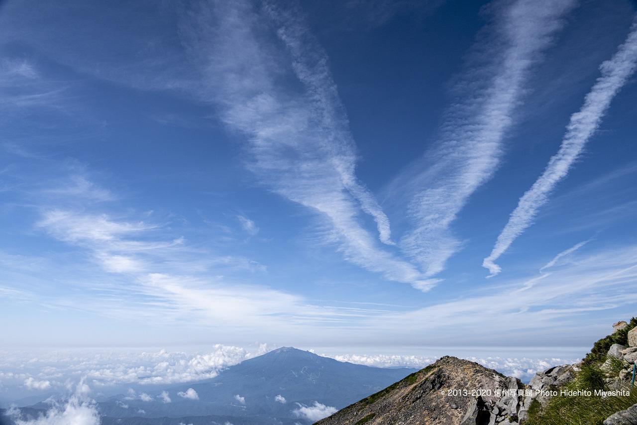 御嶽山を望む_20200802-_DSC4108