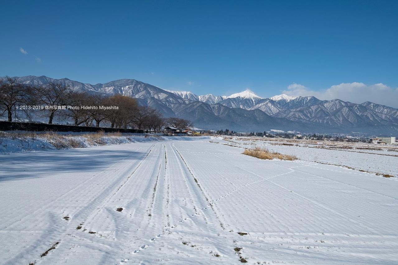 雪化粧の安曇野
