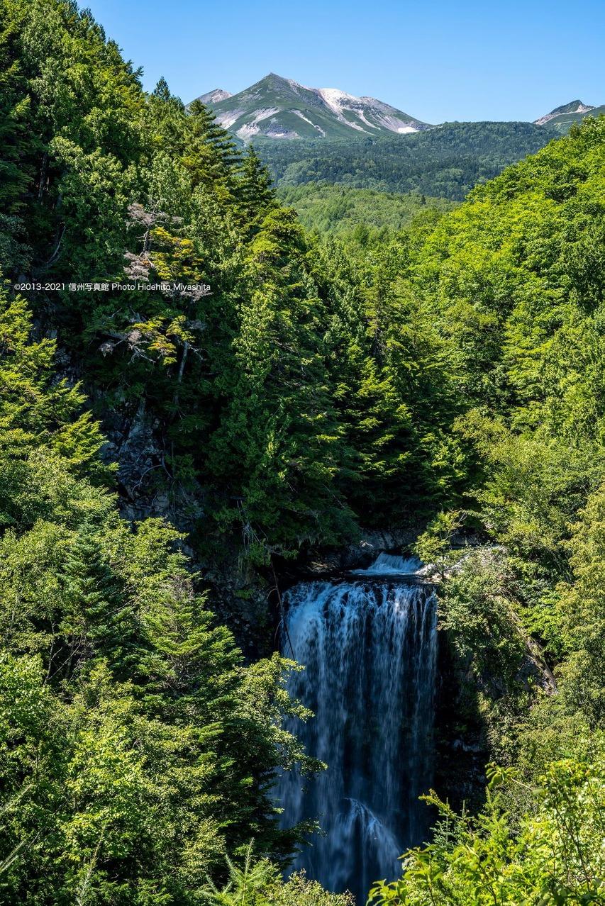 乗鞍岳と善五郎の滝