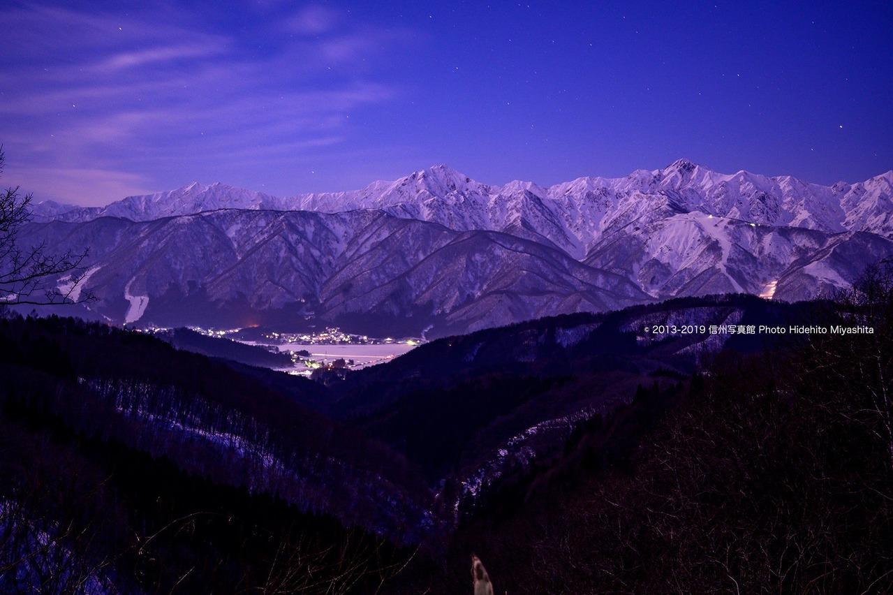 夜明け前の仁科三山
