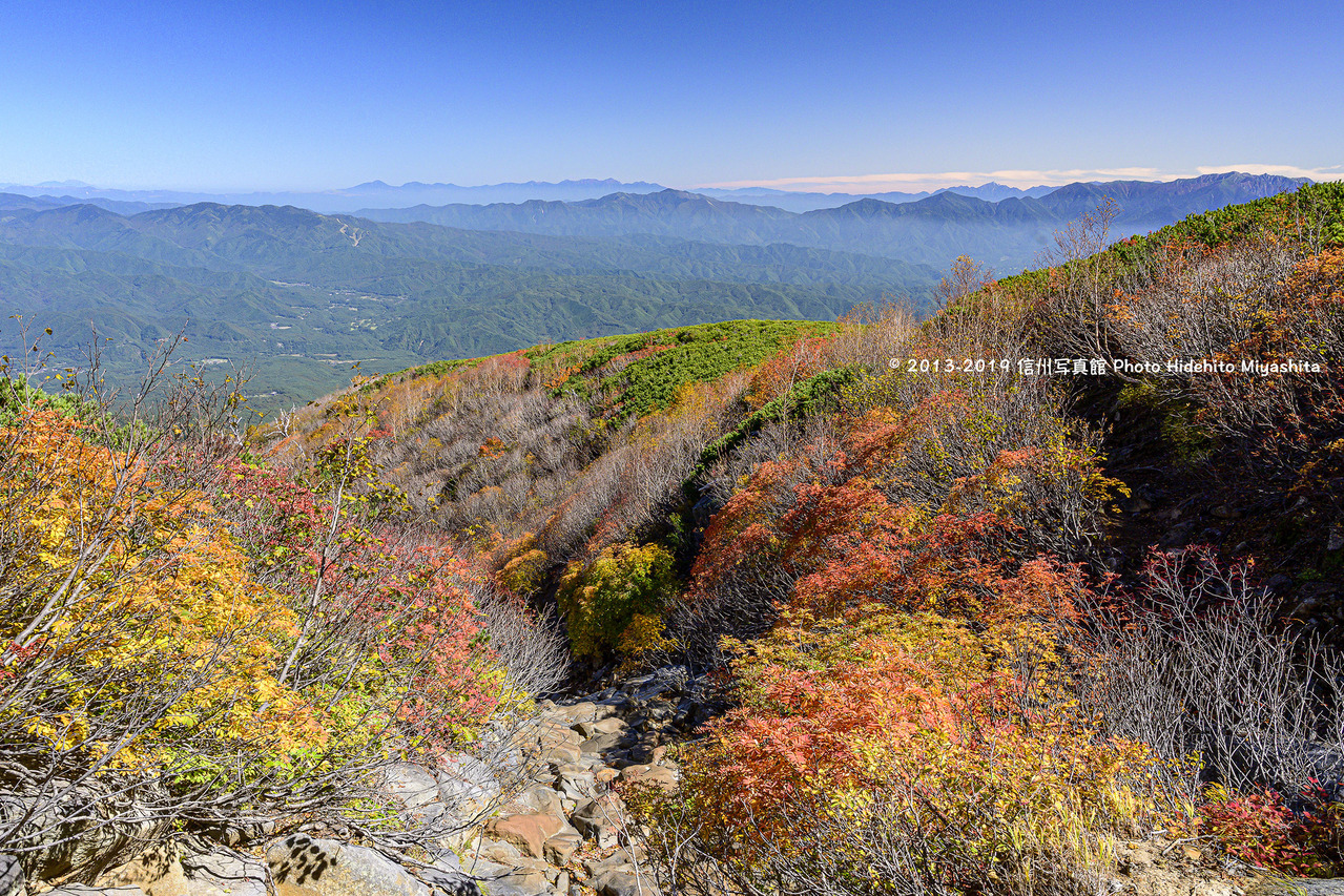 御嶽山より望む峰々_20191010-_DSC5159