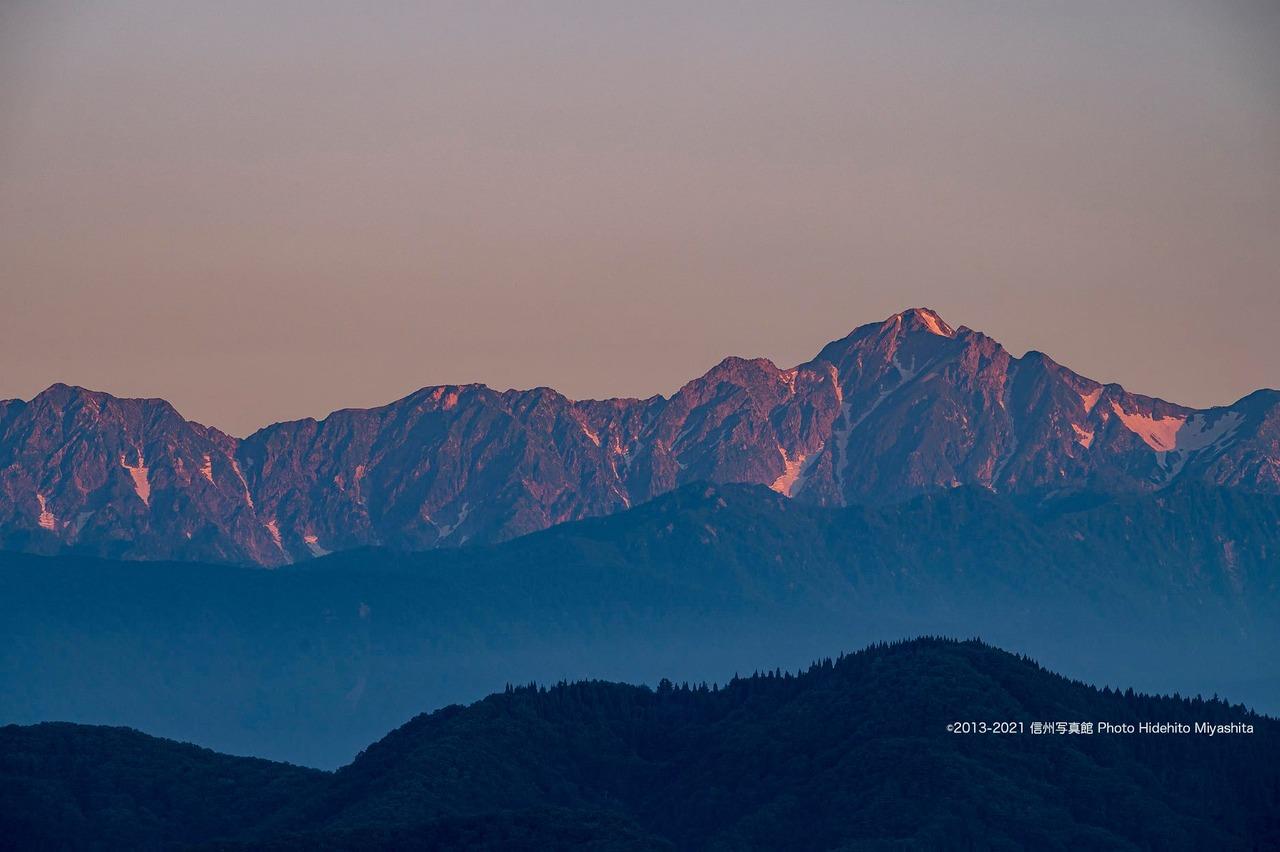 輝く五竜岳
