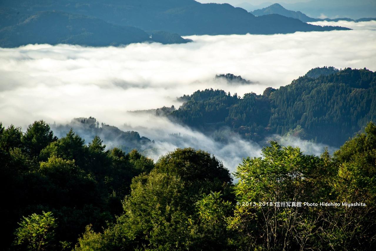 雲海広がる朝