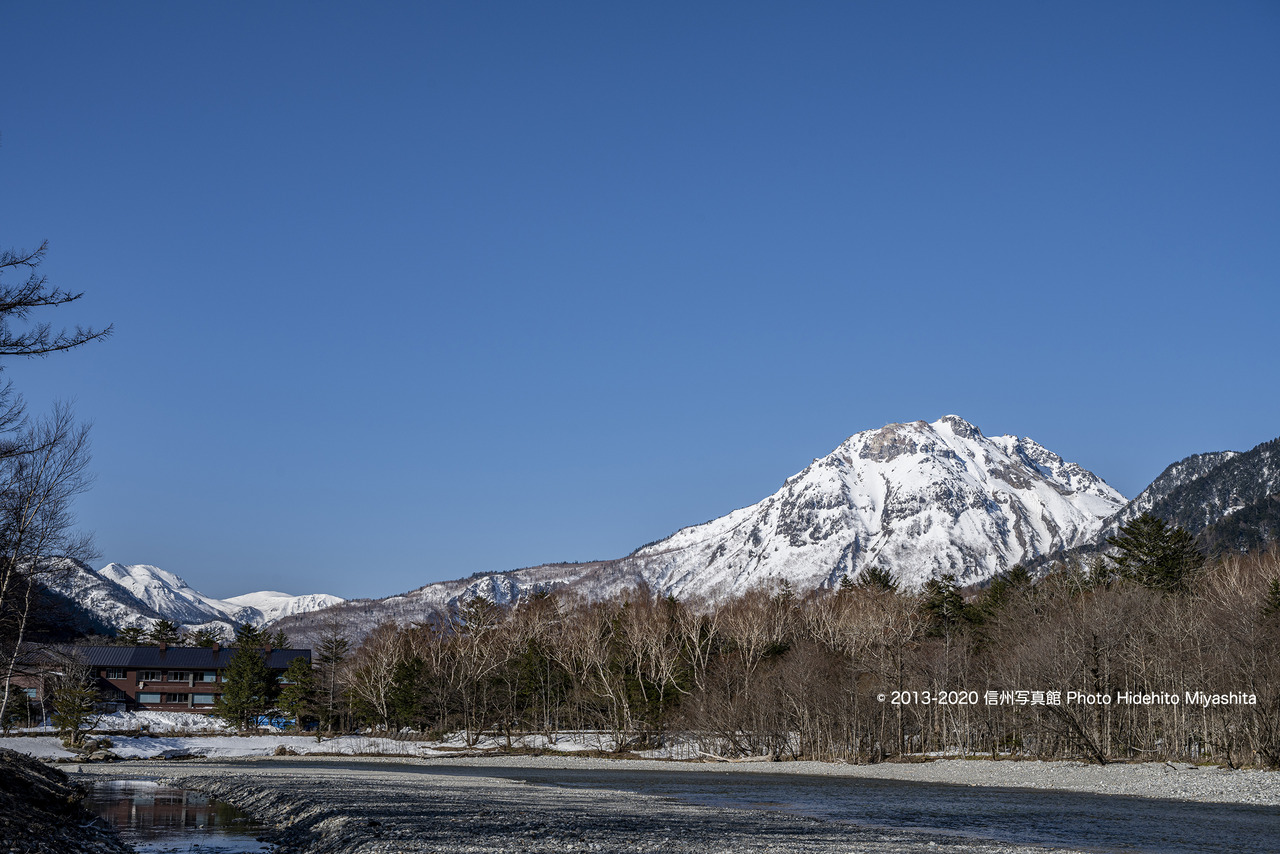 青空と焼岳_20200411-_DSC3078