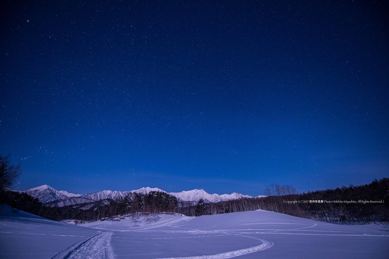 深夜の高原