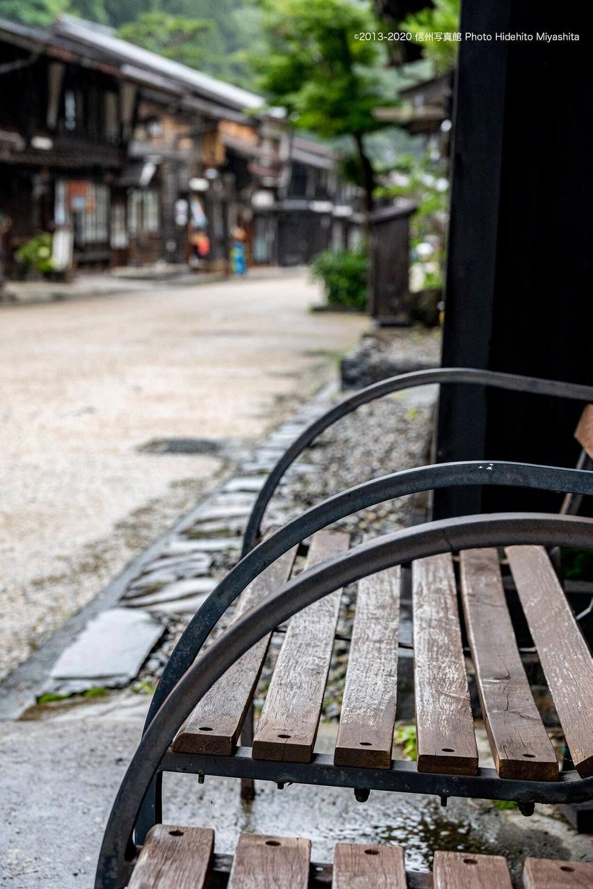 人の居ないベンチ