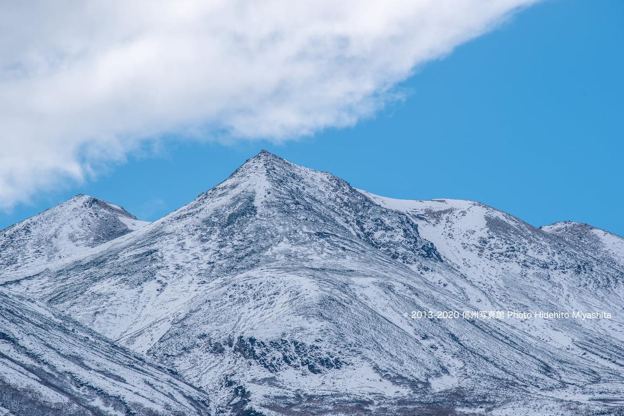 乗鞍岳初冠雪