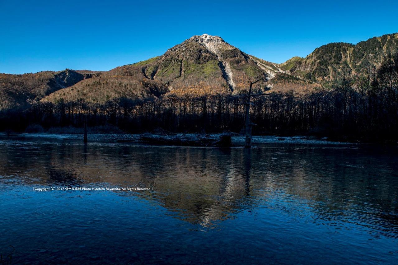 初冬の焼岳