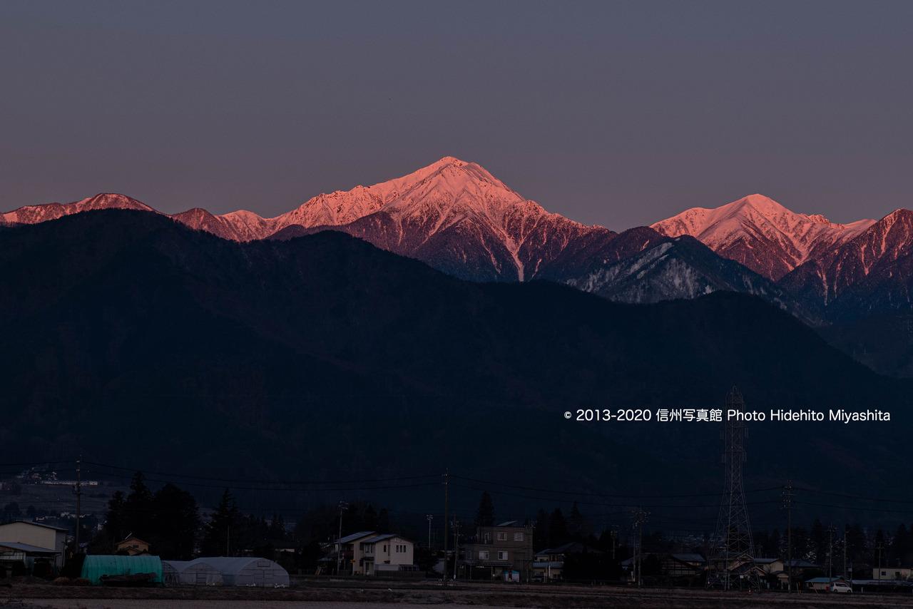 モルゲンロートの常念岳_20200202-_DSC4353