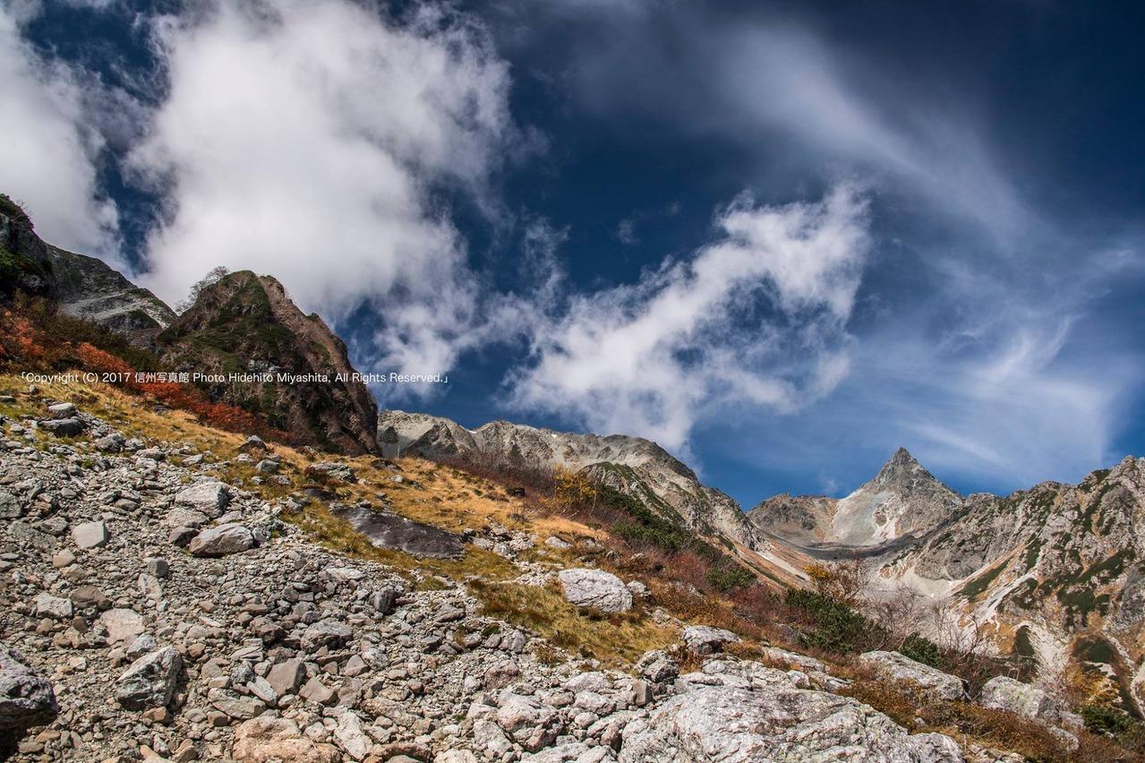 雲湧く槍ヶ岳