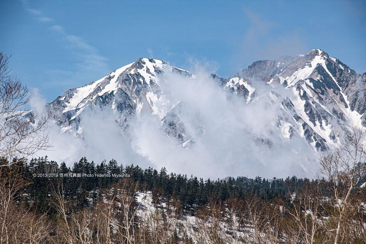 雲を纏う白馬鑓ヶ岳