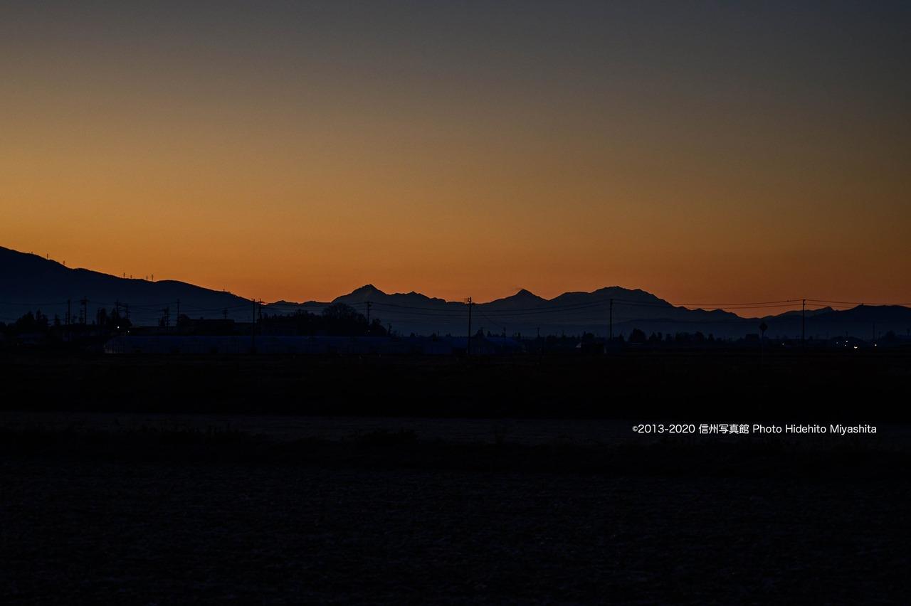 夜明けの南アルプス
