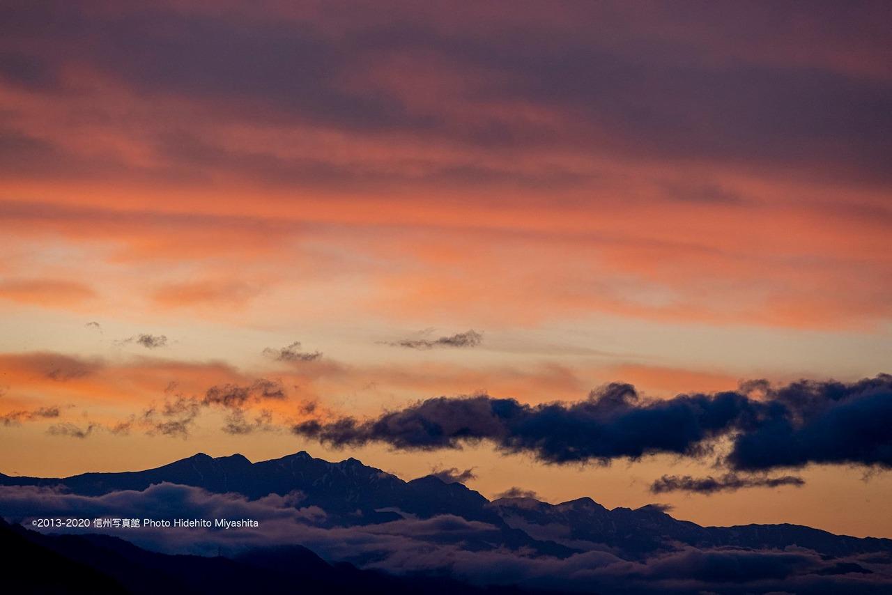夕焼けの後立山連峰