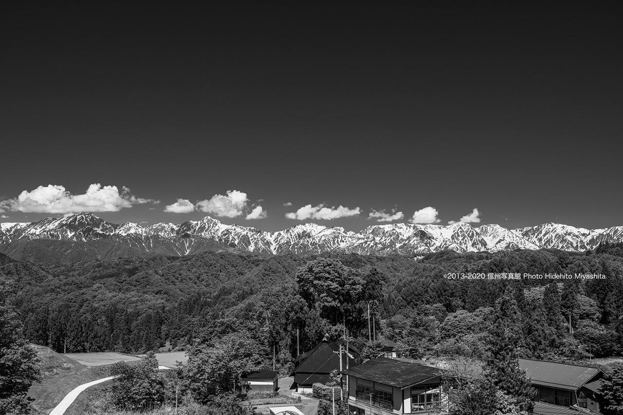 モノクロの後立山連峰