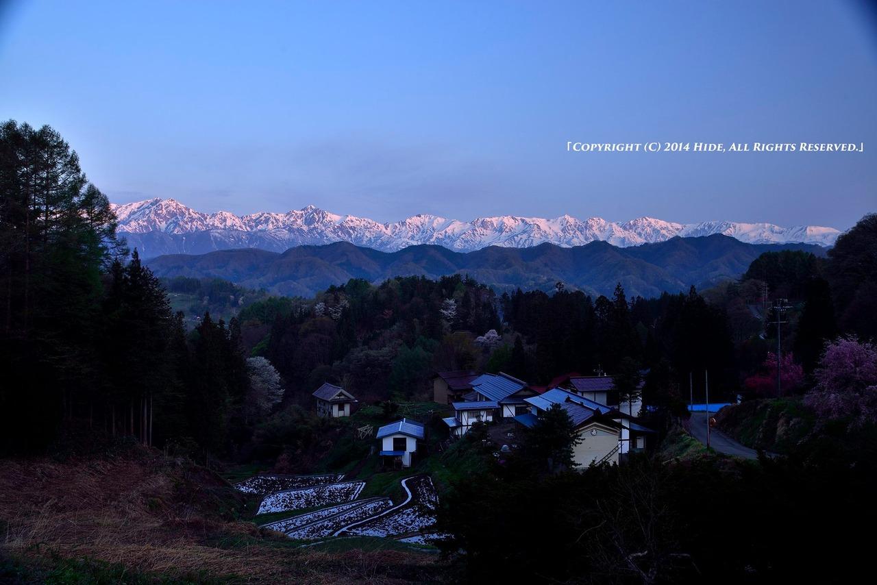 夜明けの後立山連峰