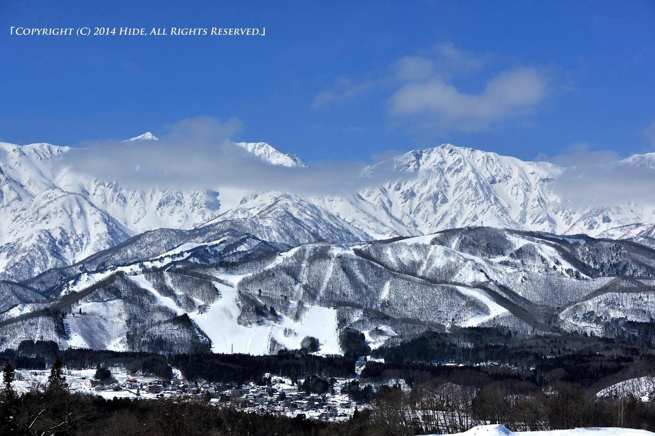 雲間の白馬三山