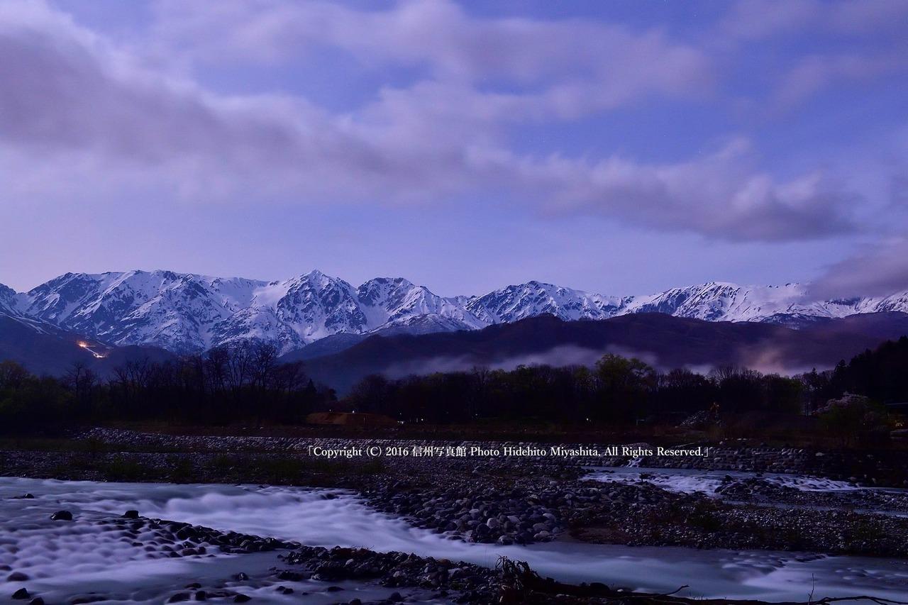 深夜の白馬三山