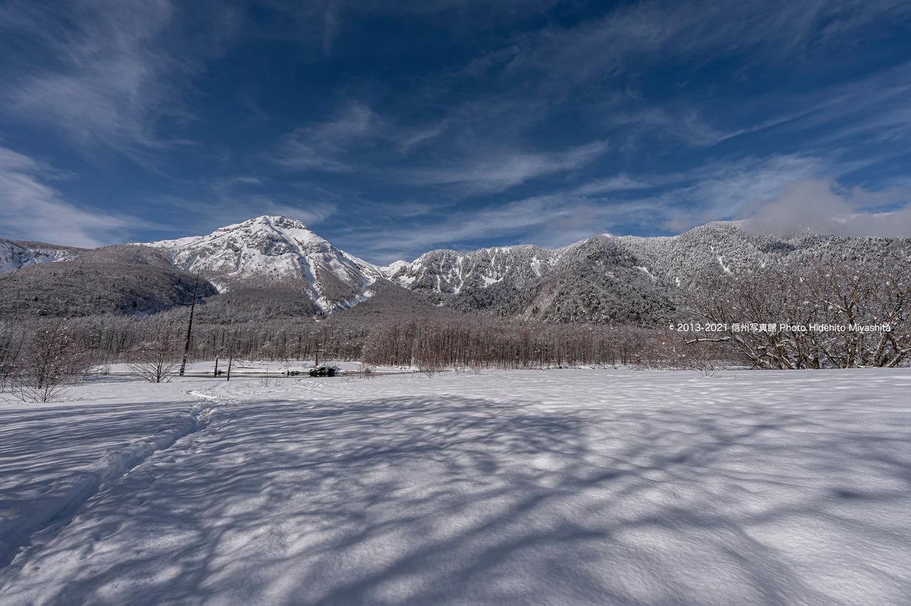 雪原と焼岳