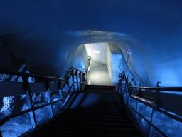氷の宮殿入り口