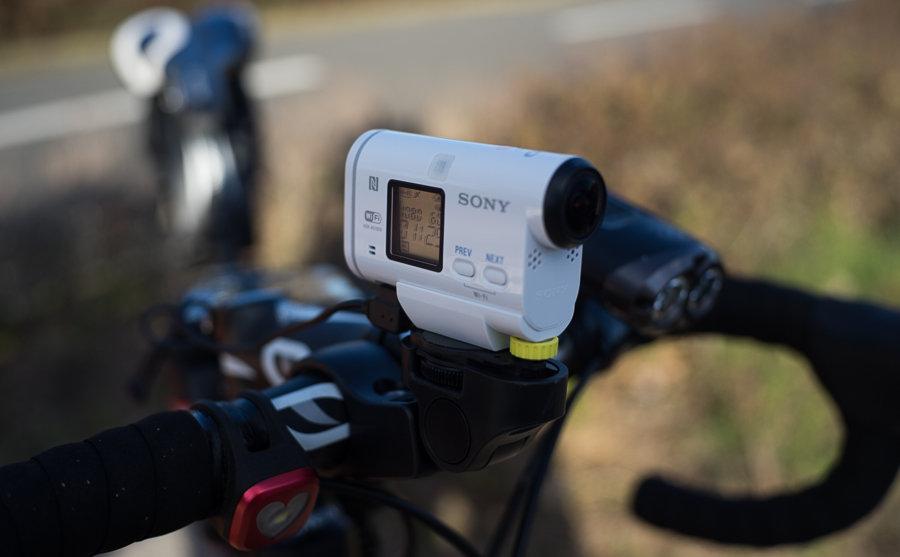 自転車用 自転車用カメラマウント : ... カメラをソニー「HDR-AS100V」に