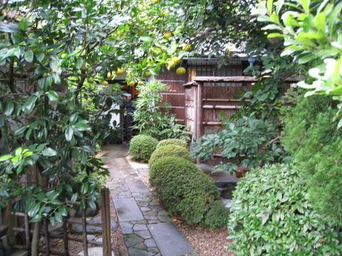 walkwalk地域探検ツアーから旧山川邸に脚光が。
