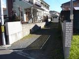 塩釜市新富町・大型4SLDK・中古住宅・路地状部分(駐車スペース)