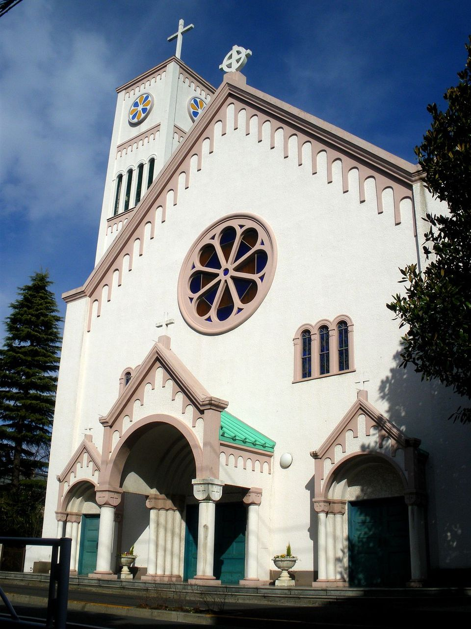 1200px-Catholic_himonya_church