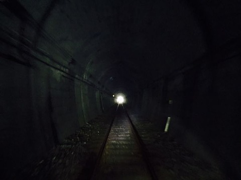 トンネルの中