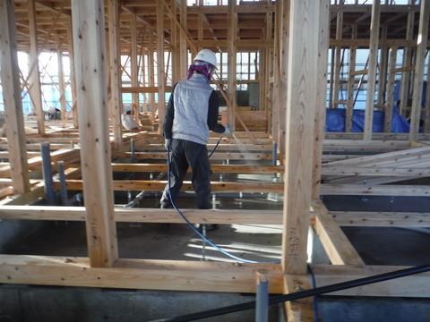 新築デイサービスセンターのシロアリ予防工事現場2