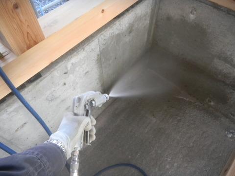 新築デイサービスセンターのシロアリ予防工事現場3