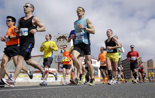 マラソン 足がつる 痙攣