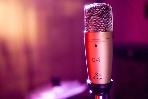 microphone-3351066_1920