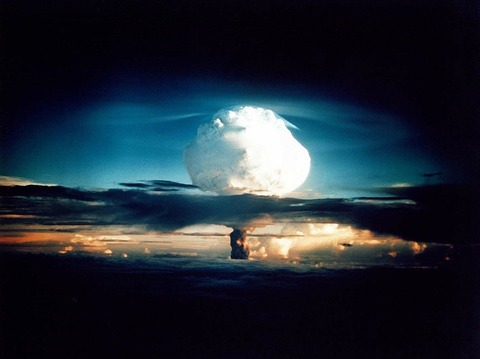 hydrogen-bomb-63146_1280 (1)