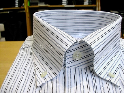 ストライプのボタンダウンシャツ01