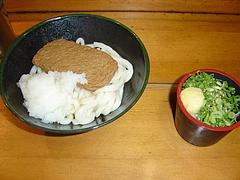 高松駅にて一食目