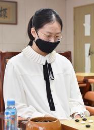 韓国の「天才囲碁少女」、AI不正認める 予測と大部分で一致、資格停止処分に