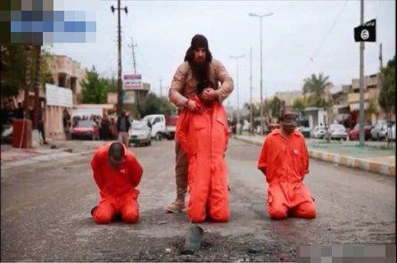 【超閲覧注意】イスラム国(ISIS/ISIL)がストリートで見せしめ懲らしめる残忍な斬首処刑最新殺害公開映像!!(2016年3月)