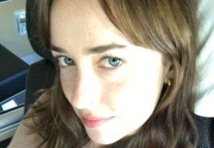 あの若手女優(27)、プライベートでは裸で男性とパーティーしまくりだった…(画像)