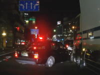大分駅前で馬鹿すぎるタクシーが目撃される(´・_・`)こんなんトラックは被害者だろ。