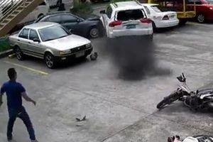 運転手が変わった瞬間に大暴走する車