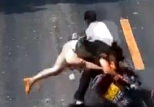 【閲覧注意】この事故動画の女やばすぎ・・・・・