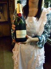 シャンパン入ります