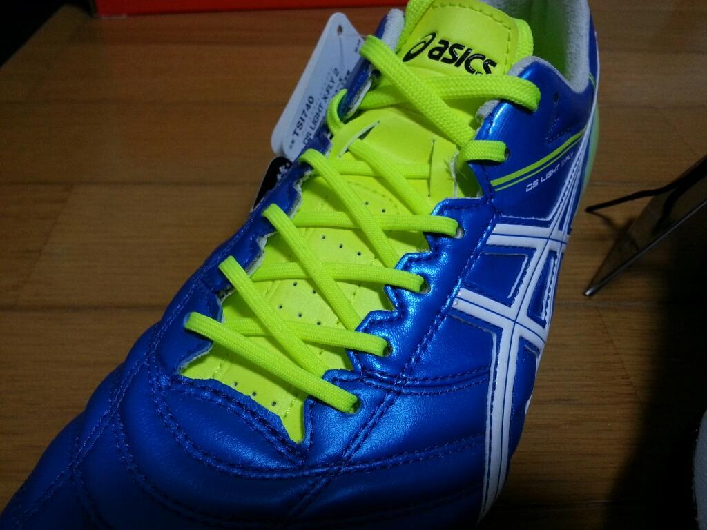 サッカー、ラグビースパイクに使われる靴紐の通し方、選び方についてです。 (基本さえ押さえておけば問題ないので、基本の部分をお伝えします)
