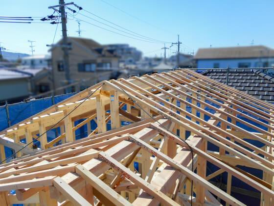 ロフトを設置する屋根は、一番高い切り妻屋根の下に配置します。