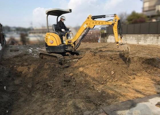 いよいよ基礎工事の着工。掘り方からスタート