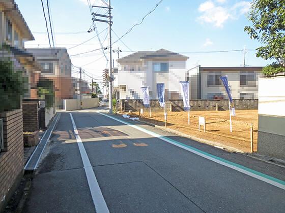 こちらに行けば、京阪本線 牧野駅。ほかに、スーパートップワールドや牧野図書館、牧野公園、牧野幼稚園、阪今池公園などがあります。