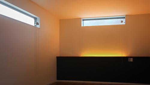 寝室に間接照明
